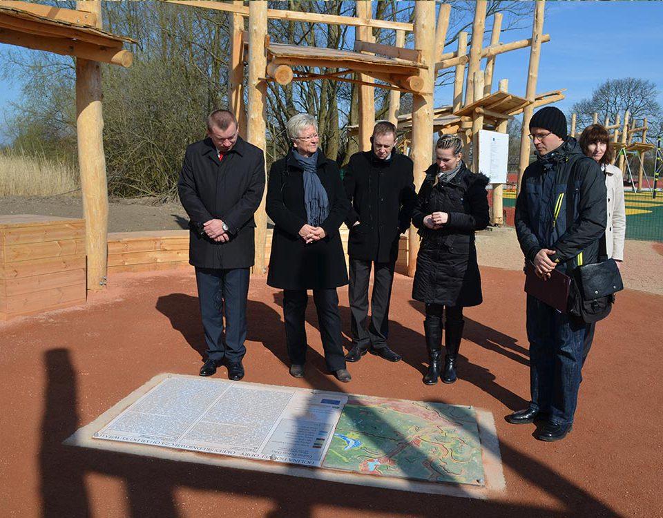 Vizemarshall Rzepa und Umweltministerin Tack am Umweltbildungslehrpfad in Gryfino, Foto: I. Podrygala