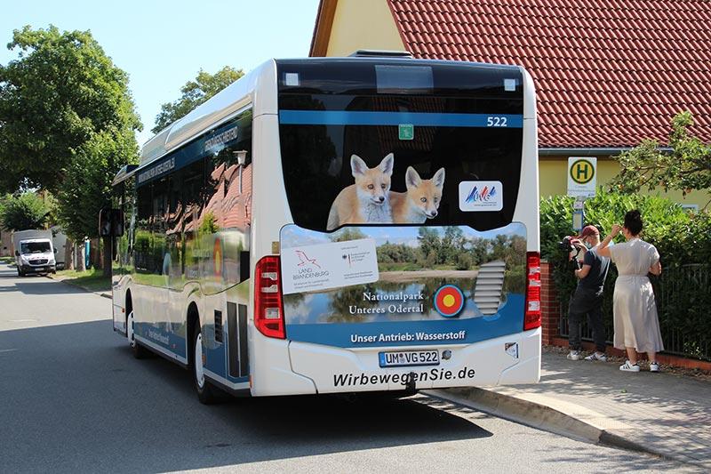 Vorstellung des Wasserstoffbusses der Uckermärkischen Verkehrsgesellschaft mbH in Criewen